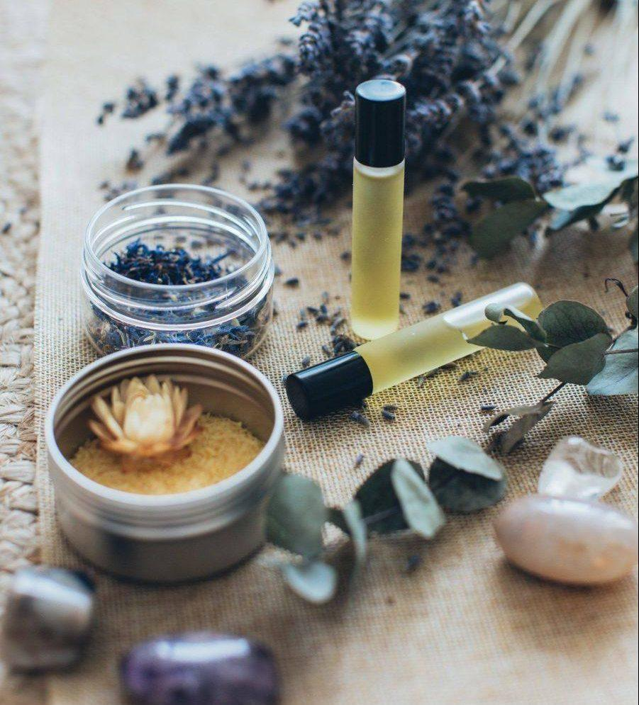 2020-4-lavender-and-massage-oils-3865676